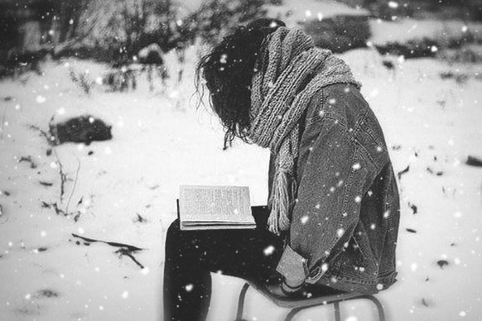 « La lecture était ma liberté et mon réconfort, ma consolation, mon stimulant favori : lire pour le pur plaisir de lire, pour ce beau calme qui vous entoure quand vous entendez dans votre tête résonner les mots d'un auteur. » - de Paul Auster, Broolklyn follies…