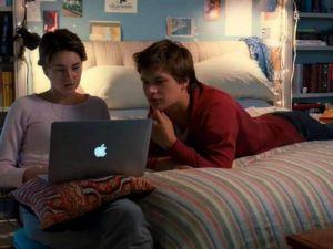 « Je crois qu'on peut choisir dans la vie comment on a envie de raconter une histoire triste, et Augustus et moi, on a choisi la manière drôle »